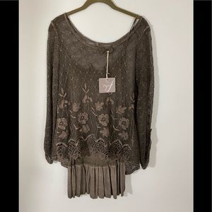 Shyloh Italian Lacey Knit Top with Camisole Sz M